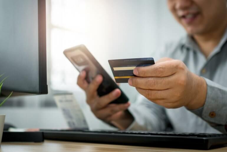 4 bonnes raisons d'emprunter de l'argent sur Internet